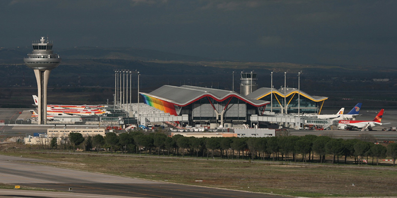 OCEM LED Lights the Runway at Madrid-Barajas Airport