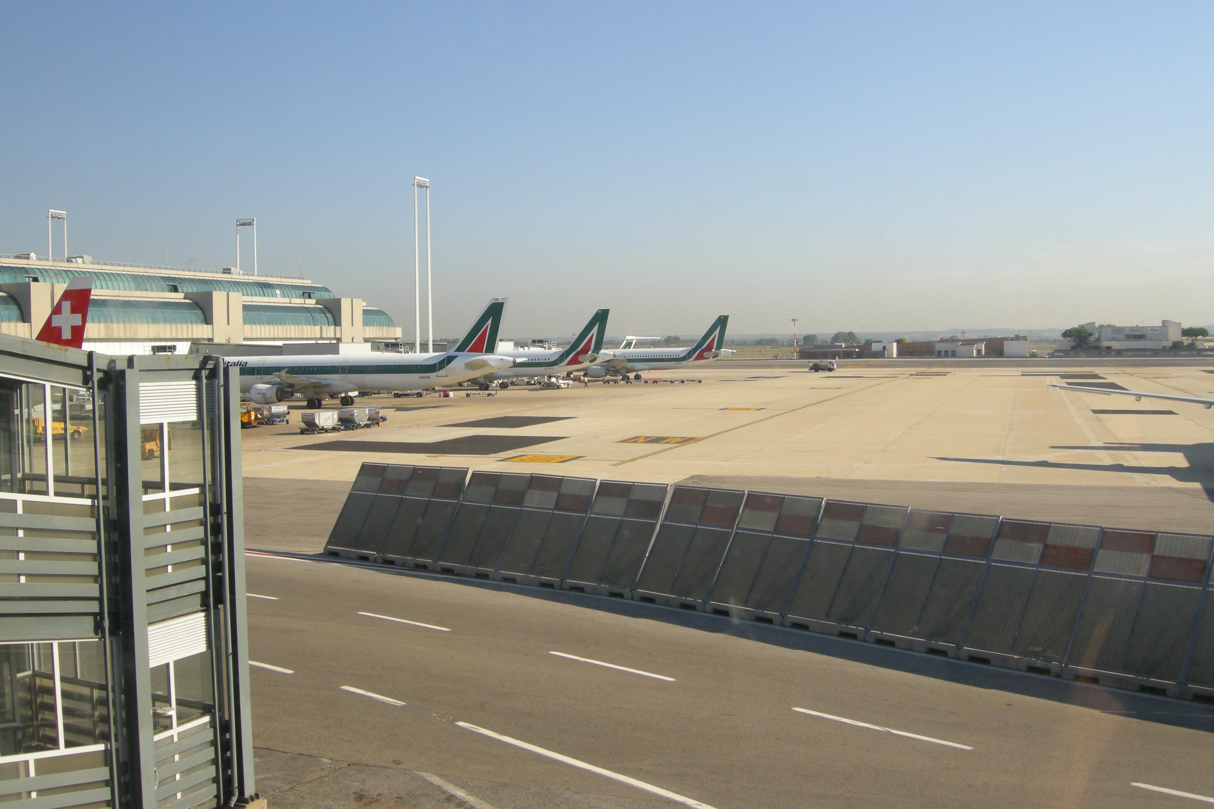 Rome_Leonardo_da_Vinci_(Fiumicino)_Airport_01