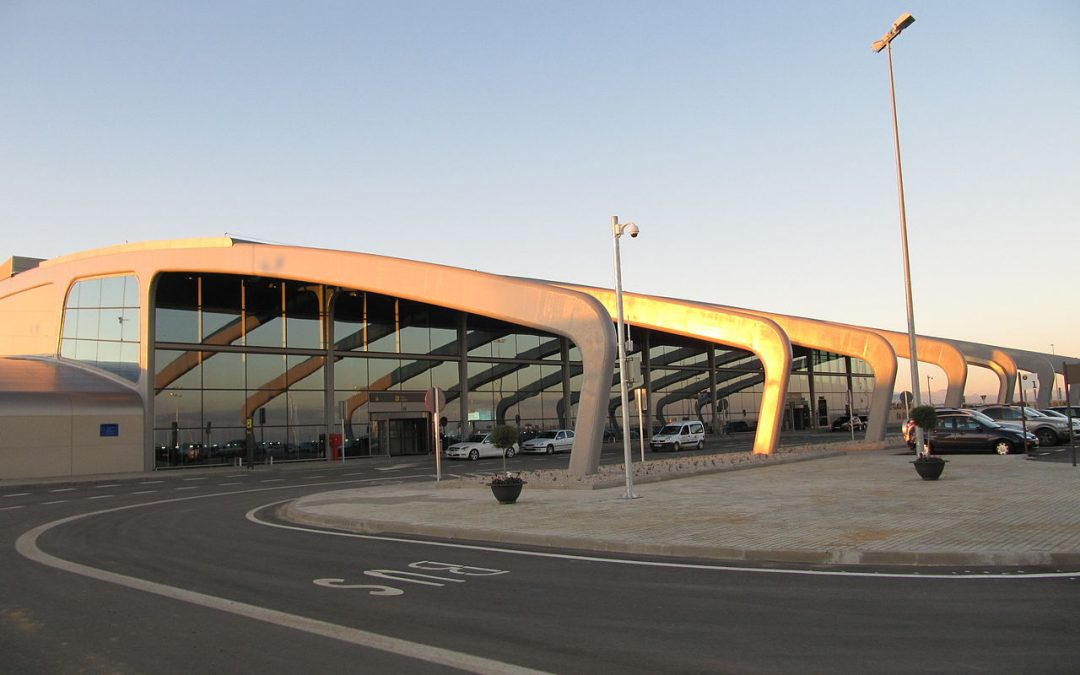 OCEM's LED lights illuminate the runway centreline at León Airport